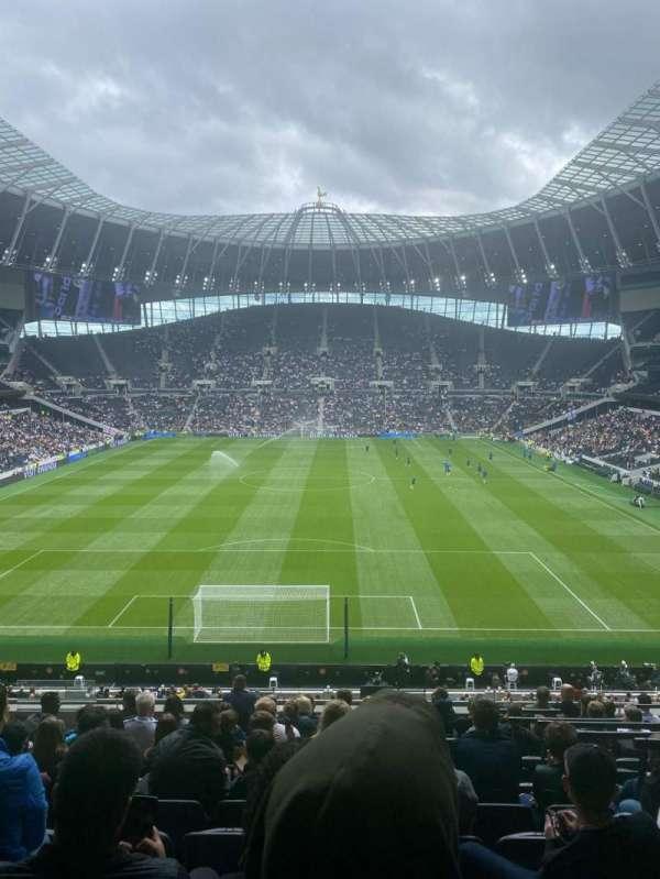 Tottenham Hotspur Stadium, secção: 420, fila: 12, lugar: 359