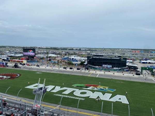 Daytona International Speedway, secção: 353, fila: 16, lugar: 17