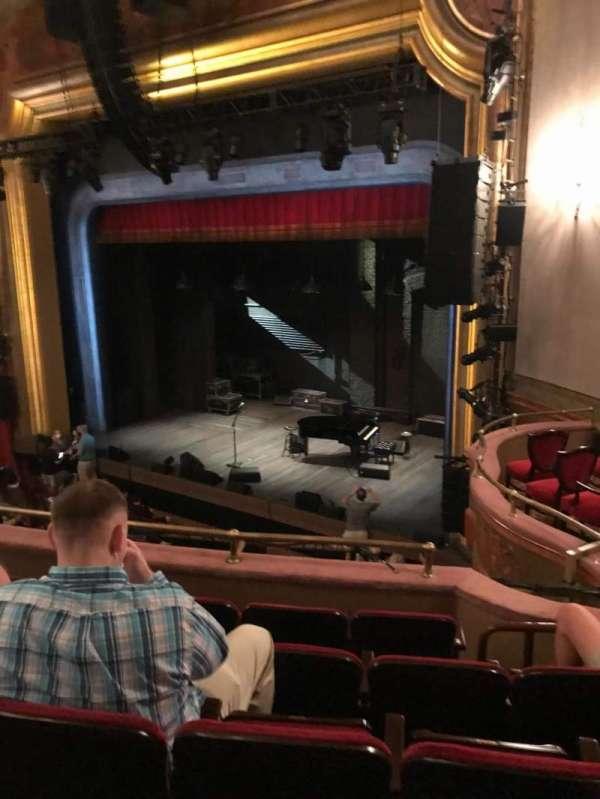 St. James Theatre, secção: Mezzanine R, fila: E, lugar: 26