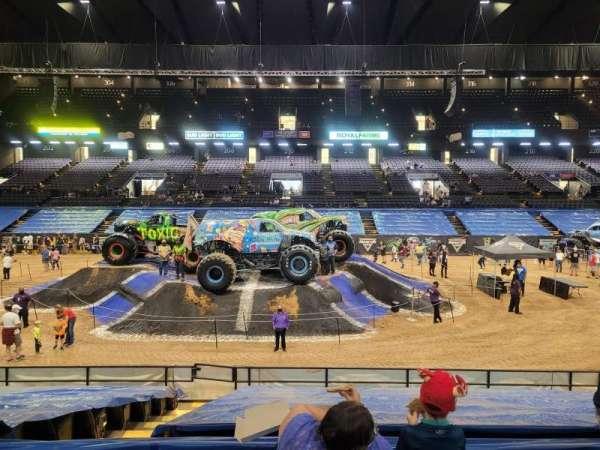 Royal Farms Arena, secção: 109, fila: M, lugar: 12