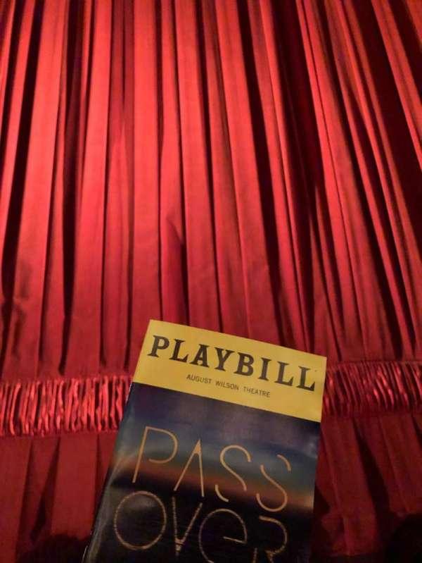 August Wilson Theatre, secção: Orchestra C, fila: AA, lugar: 107