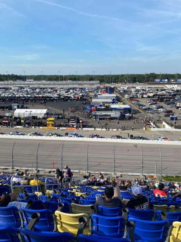 Darlington Raceway, secção: Tyler Tower A, fila: 22, lugar: 13