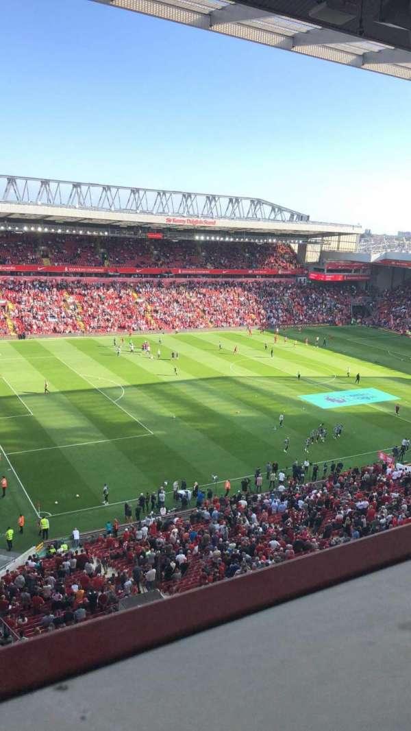 Anfield, secção: U1, fila: 59, lugar: 18