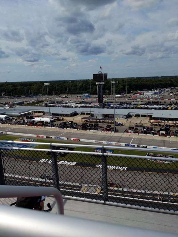 Richmond Raceway, secção: Commonwealth tower l, fila: 3, lugar: 5