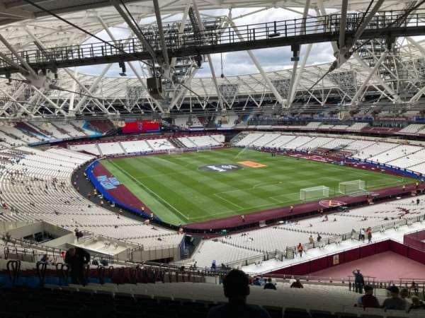 London Stadium, secção: 246, fila: 65, lugar: 138