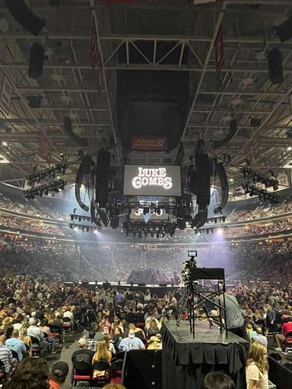PNC Arena, secção: 127, fila: F, lugar: 2