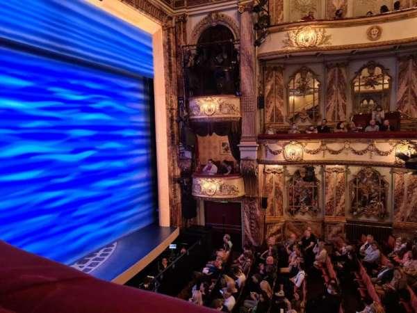 Novello Theatre, secção: Dress Circle, fila: AA, lugar: 13