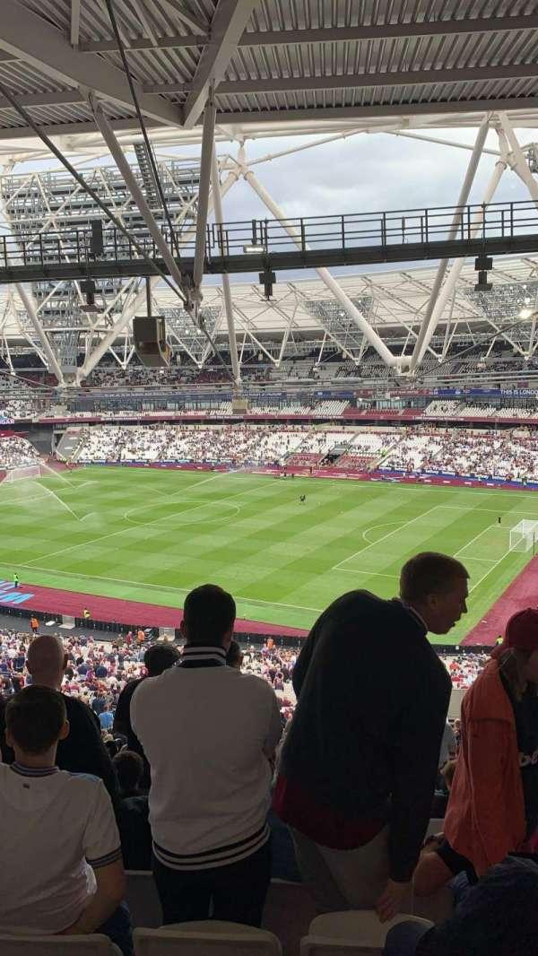 London Stadium, secção: 241, fila: 66, lugar: 272