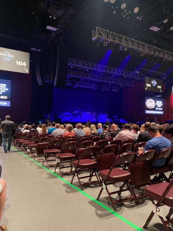 Hard Rock Live at Etess Arena, secção: 105, fila: Q, lugar: 1