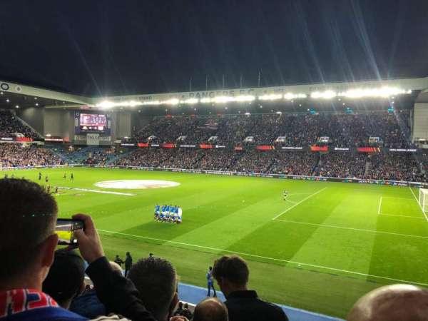 Ibrox Stadium, secção: MFG, fila: D, lugar: 0054