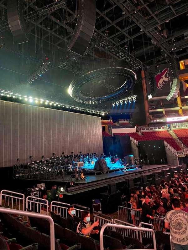 Gila River Arena, secção: 102, fila: H, lugar: 16