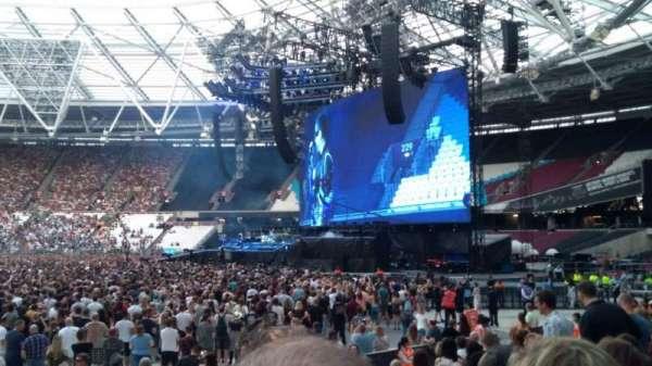 London Stadium, secção: 111, fila: 12, lugar: 232