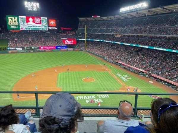 Angel Stadium, secção: 412, fila: C, lugar: 21