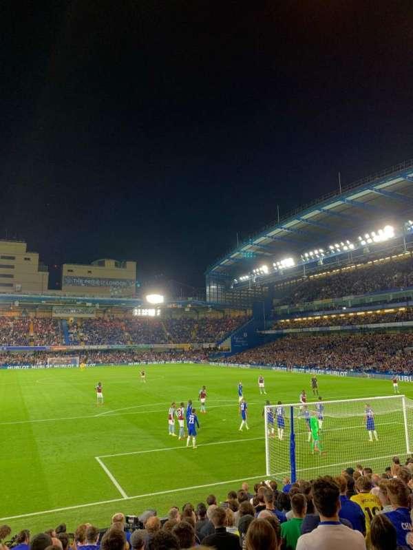 Stamford Bridge, secção: Matthew Harding Lower 13, fila: R, lugar: 104