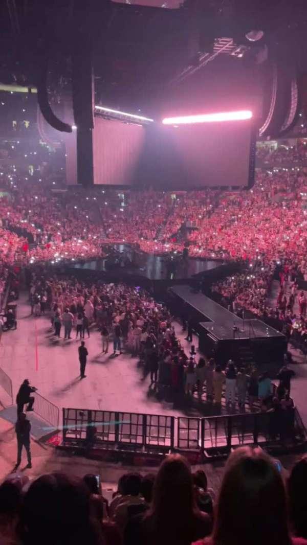 FLA Live Arena, secção: 128, fila: 19, lugar: 11