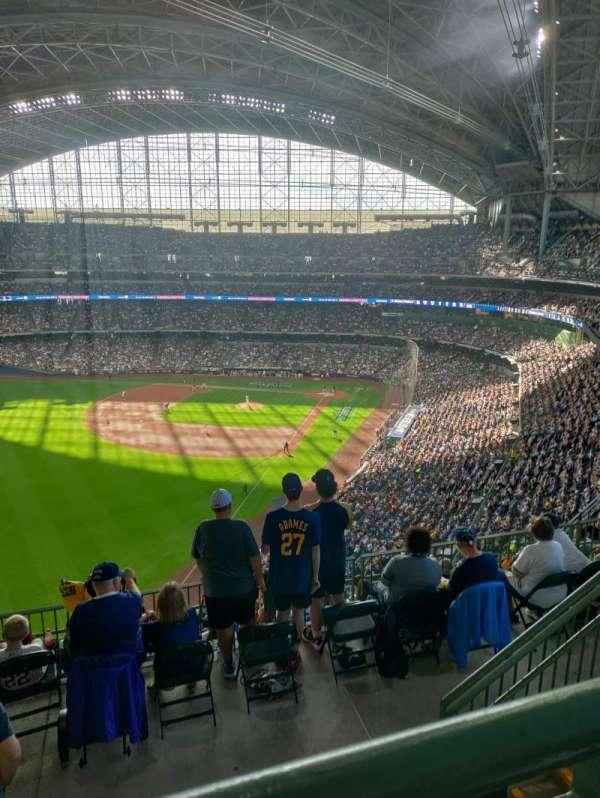 American Family Field, secção: 439, fila: 9, lugar: 14
