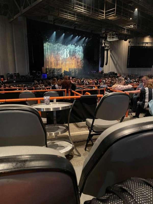 PNC Music Pavilion, secção: 8, fila: F, lugar: 25