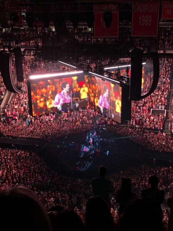 PNC Arena, secção: 323, fila: H, lugar: 14