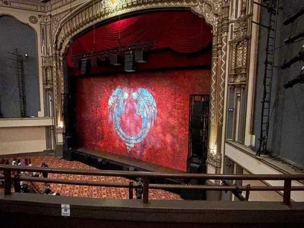 Golden Gate Theatre, secção: Loge R, fila: B, lugar: 18