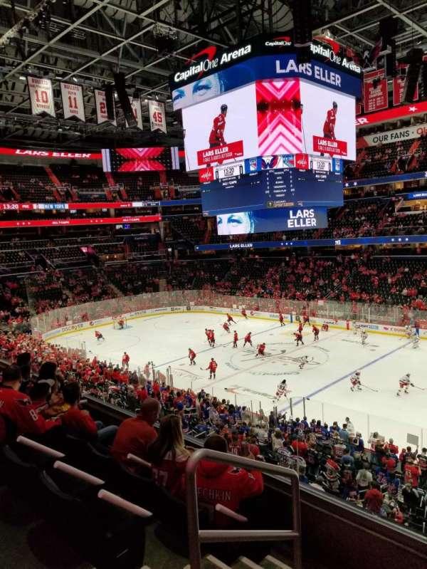 Capital One Arena, secção: 203, fila: D, lugar: 2