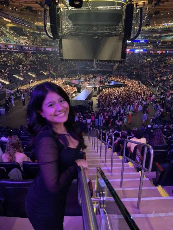 Madison Square Garden, secção: 102, fila: 20, lugar: 20
