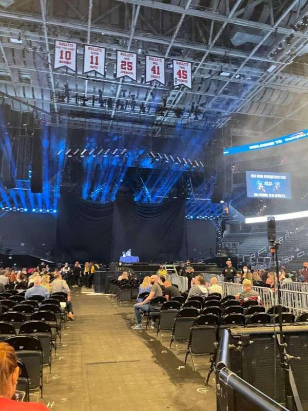 Capital One Arena, secção: Floor 4, fila: N, lugar: 12