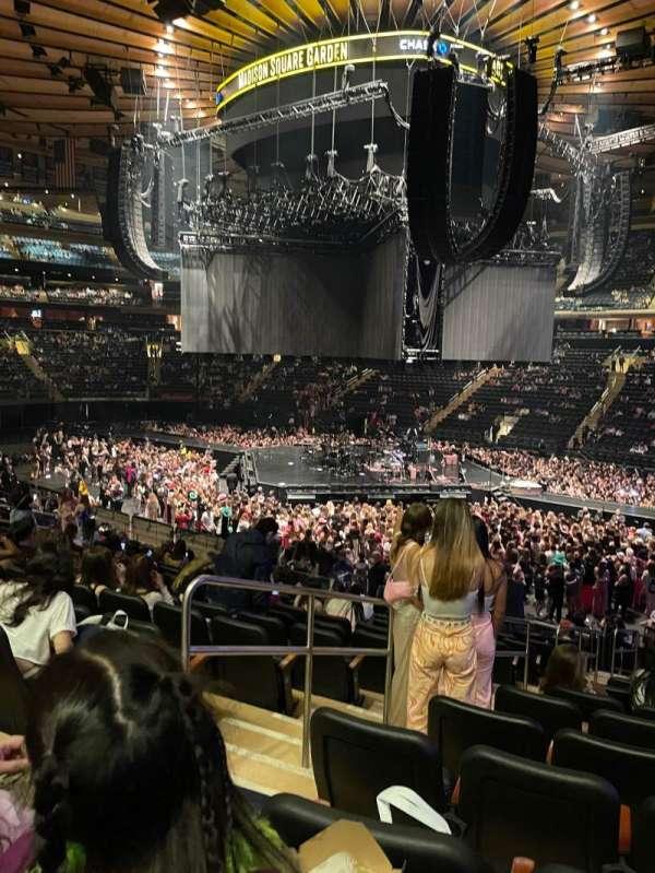 Madison Square Garden, secção: 119, fila: 18, lugar: 3