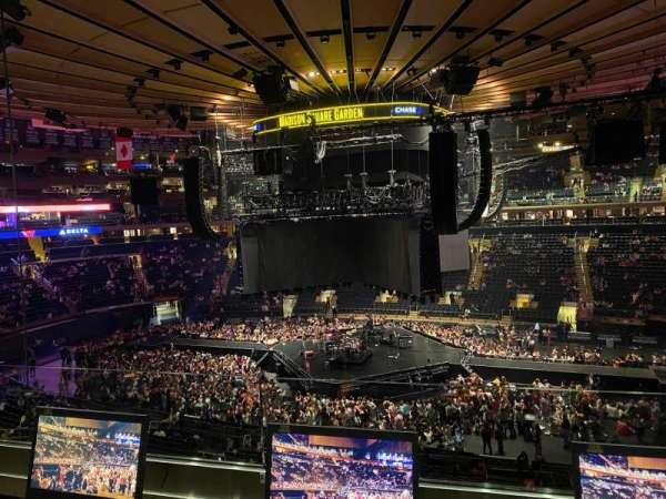 Madison Square Garden, secção: 212, fila: 2, lugar: 14