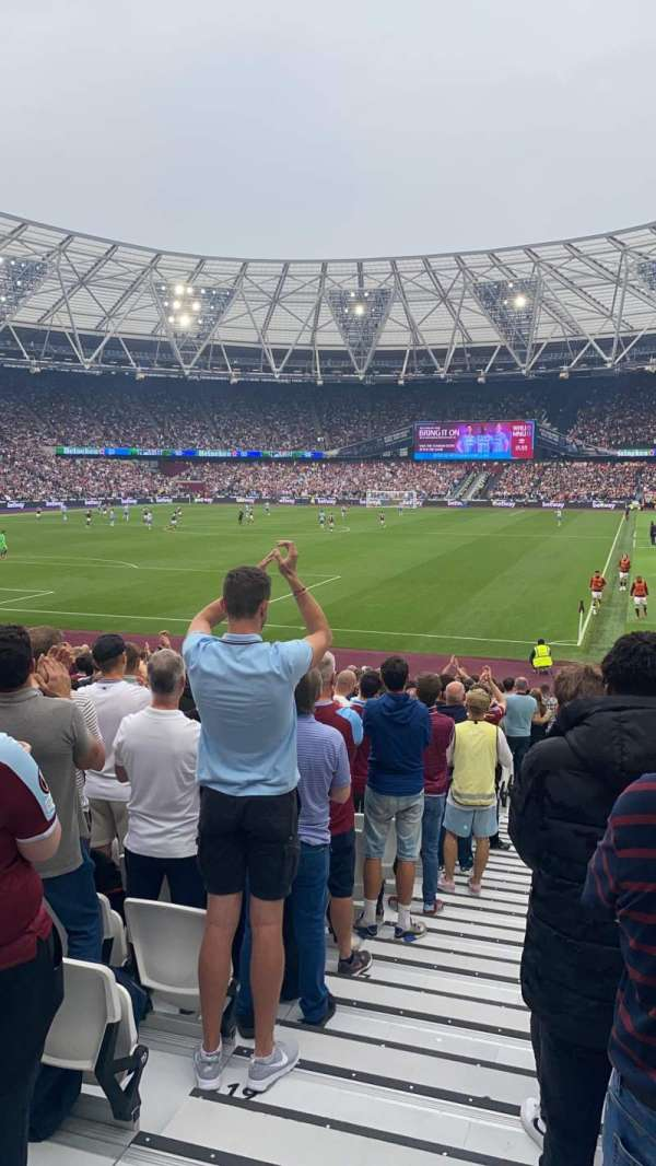 London Stadium, secção: 154, fila: 23, lugar: 500