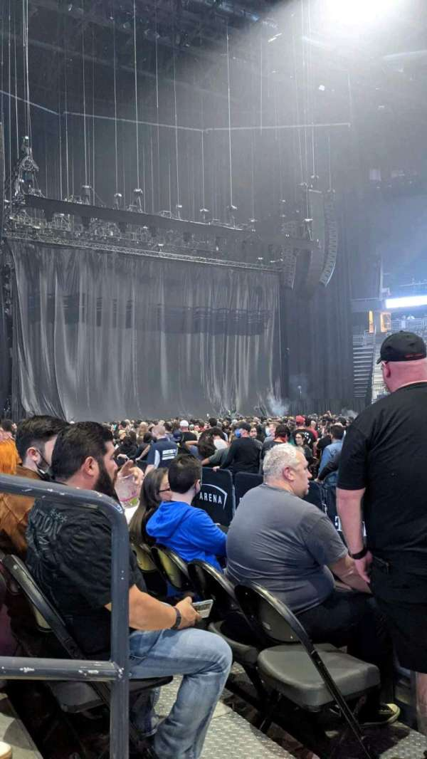 T-Mobile Arena, secção: 6, fila: C, lugar: 2