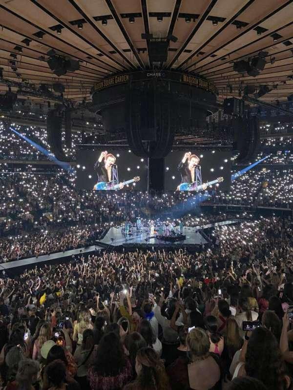 Madison Square Garden, secção: 115, fila: 22