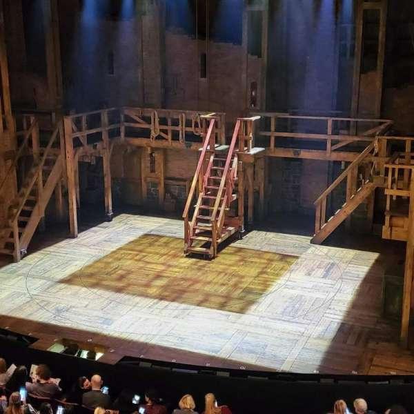 Richard Rodgers Theatre , secção: Front Mezzanine R, fila: A, lugar: 10