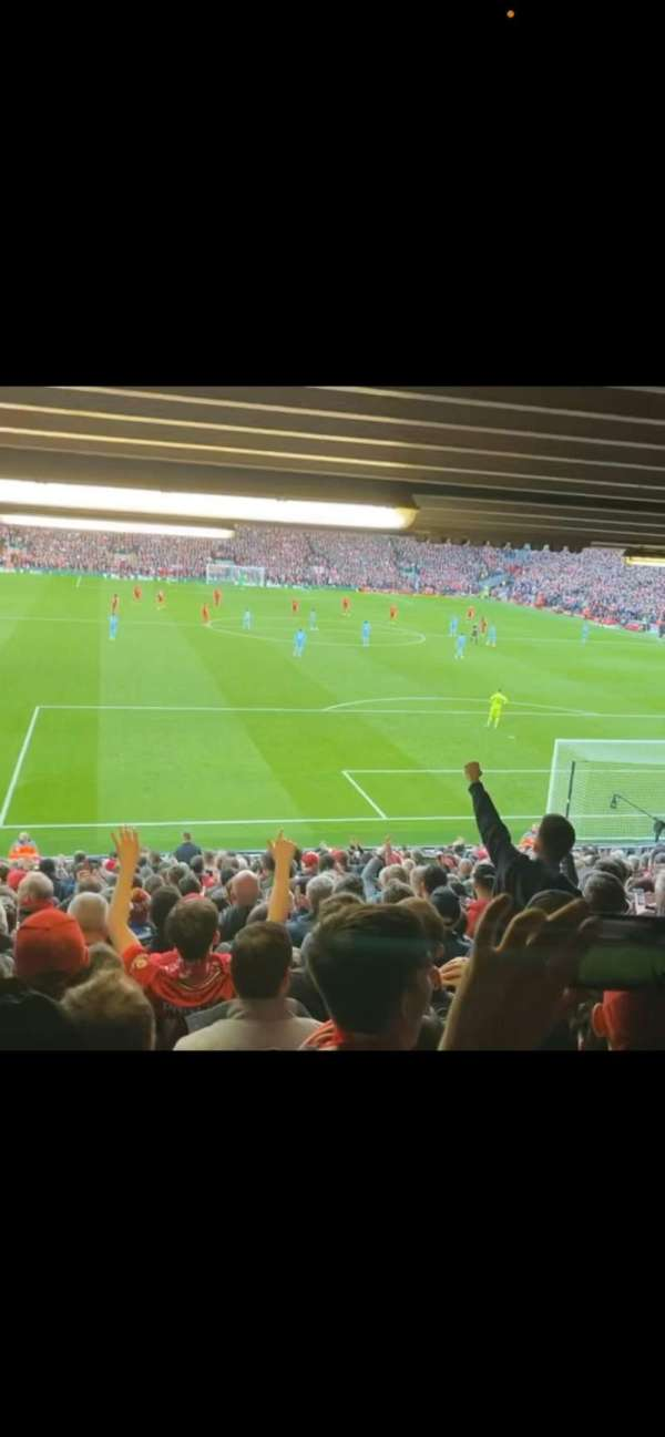 Anfield, secção: 126, fila: 31, lugar: 145