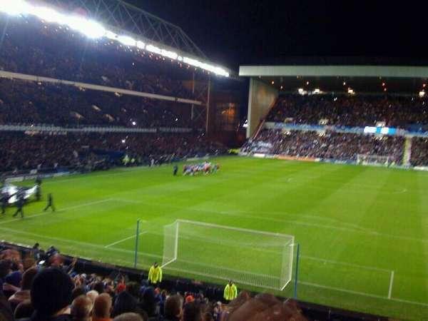 Ibrox Stadium, secção: CR2, fila: aa, lugar: 063