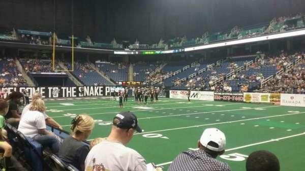Greensboro Coliseum, secção: 111, fila: BB, lugar: 8