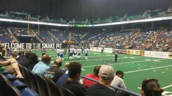 Greensboro Coliseum, secção: 111, fila: CC, lugar: 13