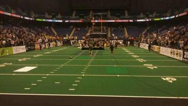 Greensboro Coliseum, secção: 117, fila: AA, lugar: 14