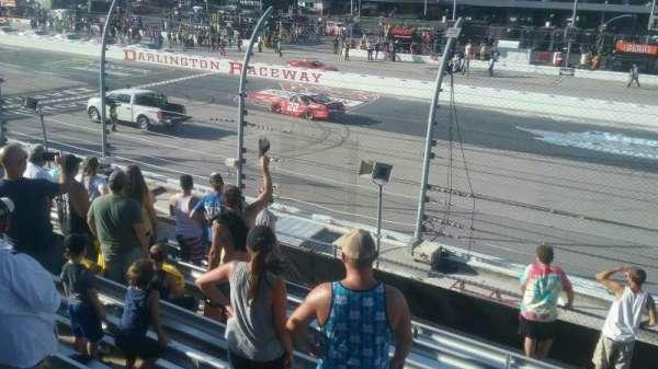Darlington Raceway, secção: Wallace I, fila: 15, lugar: 17