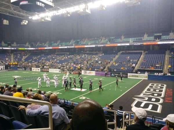 Greensboro Coliseum, secção: 129, fila: KK, lugar: 12