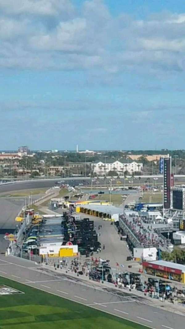 Daytona International Speedway, secção: 463, fila: 32, lugar: 11