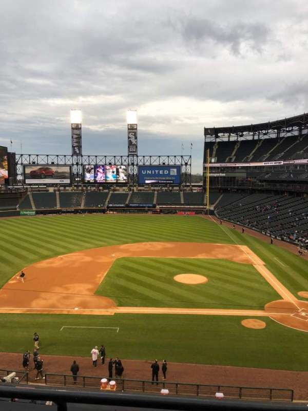 Guaranteed Rate Field, secção: 338, fila: 2, lugar: 5
