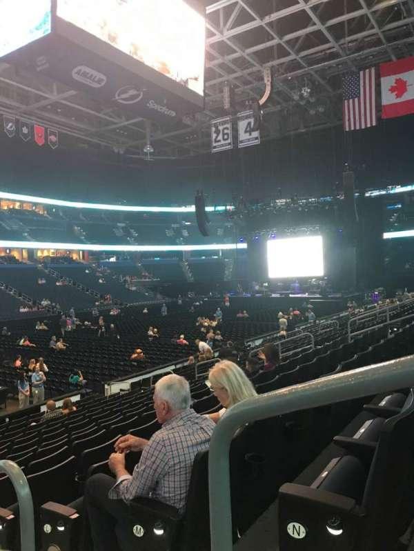 Amalie Arena, secção: 104, fila: P, lugar: 1