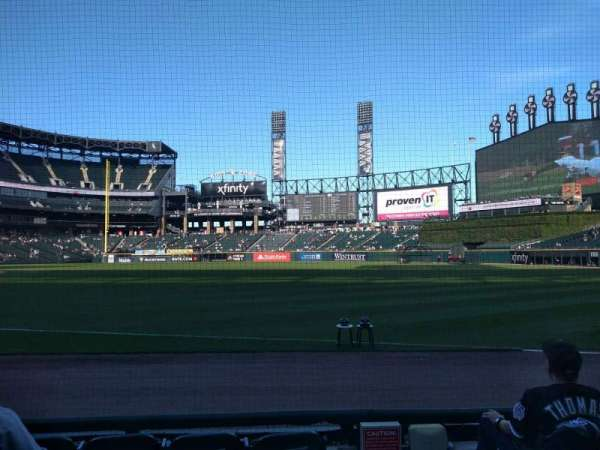 Guaranteed Rate Field, secção: 115, fila: 4, lugar: 1