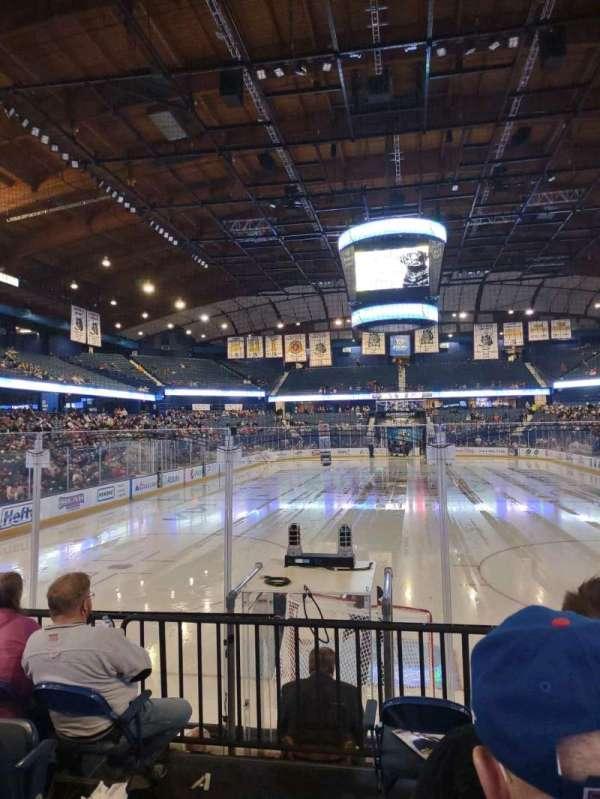 Allstate Arena, secção: 114, fila: E, lugar: 22