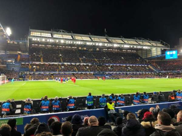 Stamford Bridge, secção: West Stand Lower 8, fila: 8, lugar: 201