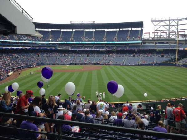 Turner Field, secção: 241, fila: 17, lugar: 104