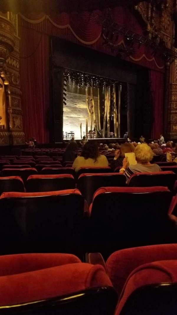 The Fabulous Fox Theatre (St. Louis), secção: ORCH 1, fila: T, lugar: 49