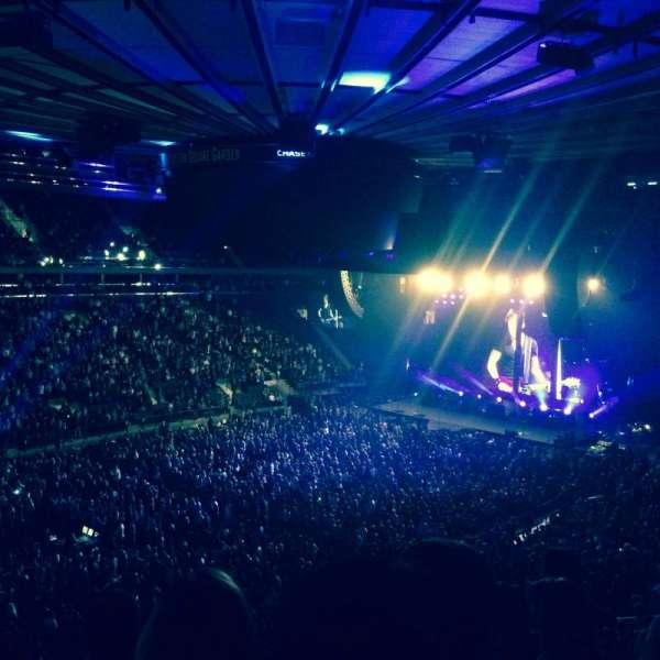 Madison Square Garden, secção: 208, fila: 5, lugar: 6