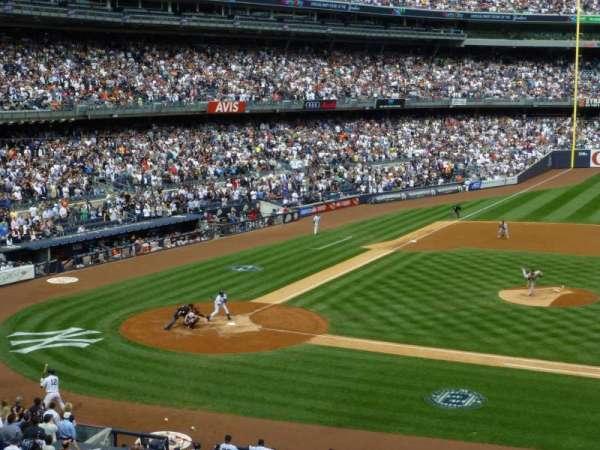 Yankee Stadium, secção: 216, fila: 4, lugar: 2