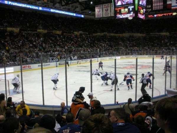 Old Nassau Veterans Memorial Coliseum, secção: 107, fila: J, lugar: 2